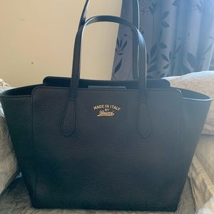 Authentic Gucci Swing tote